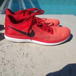 Men's Nike Running Shoe size 10